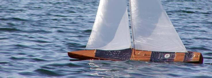 sailboats | ... contact 100 % guarantee remote controlled sailboats classic wooden rc