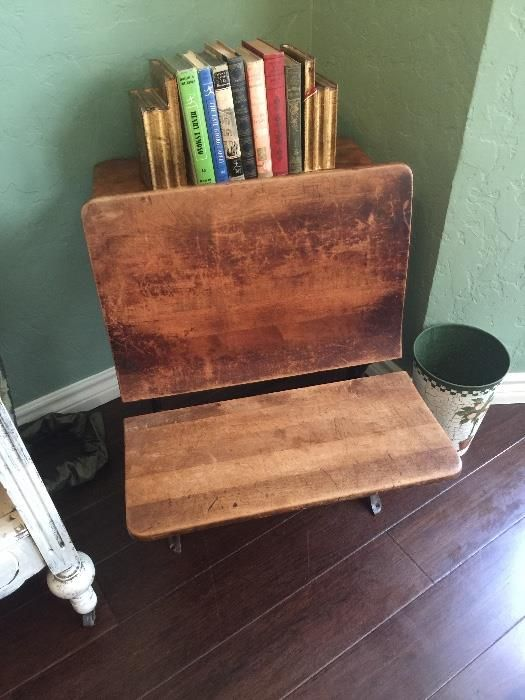 NET: Very old antique school desk - Best 25+ Old School Desks Ideas On Pinterest School Desks