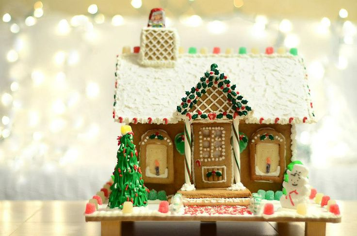 Gingerbread house with porch | Christmas | Pinterest