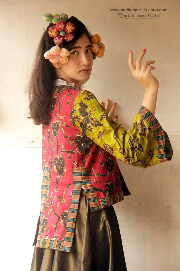 Batik Amarillis Made In Indonesia proudly presents... Batik Amarillis's Amarillissima jacket in Batik Wonogiren owl series  ... A beautiful and mesmerizing ethereal collection of fairytale inspired.. Batik Amarillis's Amarillissima jacket is  beautiful unique & special ,The style is vintage 1867's Victorian wardrobe inspired ,The unique style & cutting of  this beautifully tailored garment will turn heads with its captivating design.