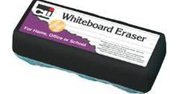 Como limpar apagadores de quadro branco. O quadro branco é um item padrão para uma sala de conferência ou para uma sala de aulas. É importante limpar o quadro branco diariamente com um apagador de quadro e um produto de limpeza apropriado. À medida que os apagadores são utilizados, resíduos de tinta se acumulam neles e precisam ser removidos. Esses apagadores normalmente são feitos de ...