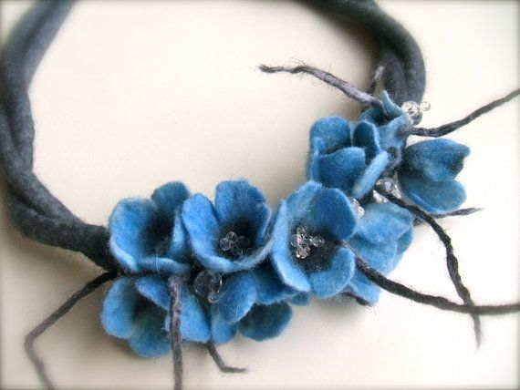 Handmade flowers necklace with felt flowers. The flowers are shadow blue. Necklace is made from 100 % merino wool, czech glass beads and metal fittings.