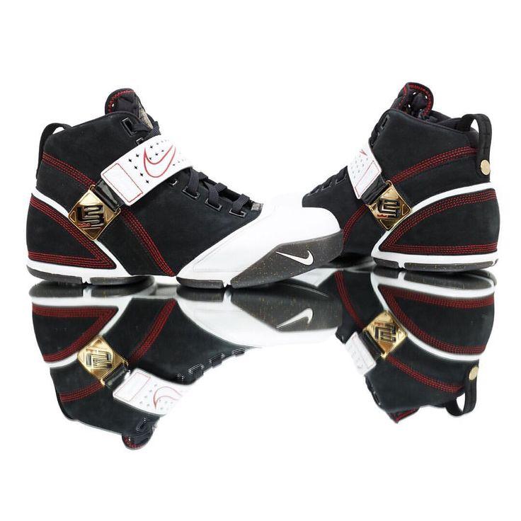 Nike Zoom Lebron 5 Fearless #sneakers #sneakernews #StreetStyle #Kicks #adidas #nike #vans #newbalance #puma #ADIDAS #ASICS #CONVERSE #DIADORA #REEBOK #SAUCONY