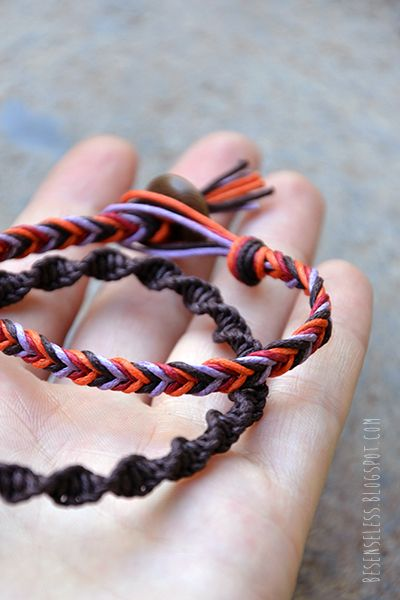 Macrame bracelet, friendship bracelets. Braccialetti macramè a spirale e treccia.