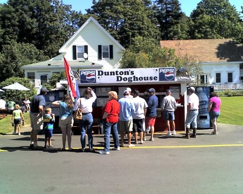 Dunton's Doghouse - one of the very best places to eat in Boothbay Harbor, Maine!  When we lived in the area (over 20 years ago) it looked exactly the same and had the best lobster rolls around!
