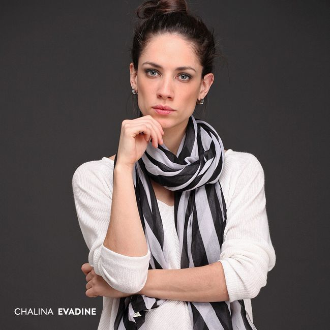 #Accesorios: La Chalina Evadine tiene una hermosa caída y es muy suave al tacto. Creá un look con textura y personalidad.