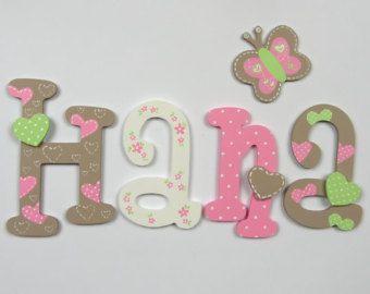 Pintadas con letras de madera colorido; nombre de los niños; nombre de bebé; Letras de pared, Letras de madera; decoración de la habitación de los niños; lunares, corazones, flores