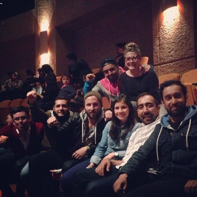 Santiago Rodriguez,fb y amigos el de la mano levantada de izquierda a derecha,bien viejo,buena vibraaaa!!!!ALEGRIA,