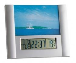 Ceas cu rama foto PRODESIGN ideal pentru orice tip de incapere.  http://www.malvi.ro/ceas-cu-rama-foto-prodesign-p162