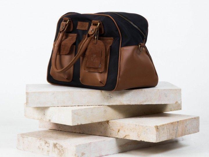 Bolso para bebé Nicole Negro 105,00€ #babybags #bolsoparabebe #bolsocambiador #gift