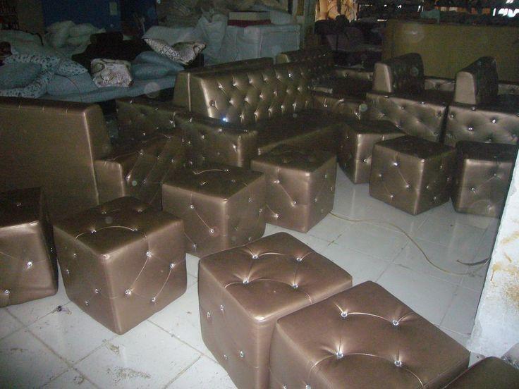 P1200466 Night club disco sofa