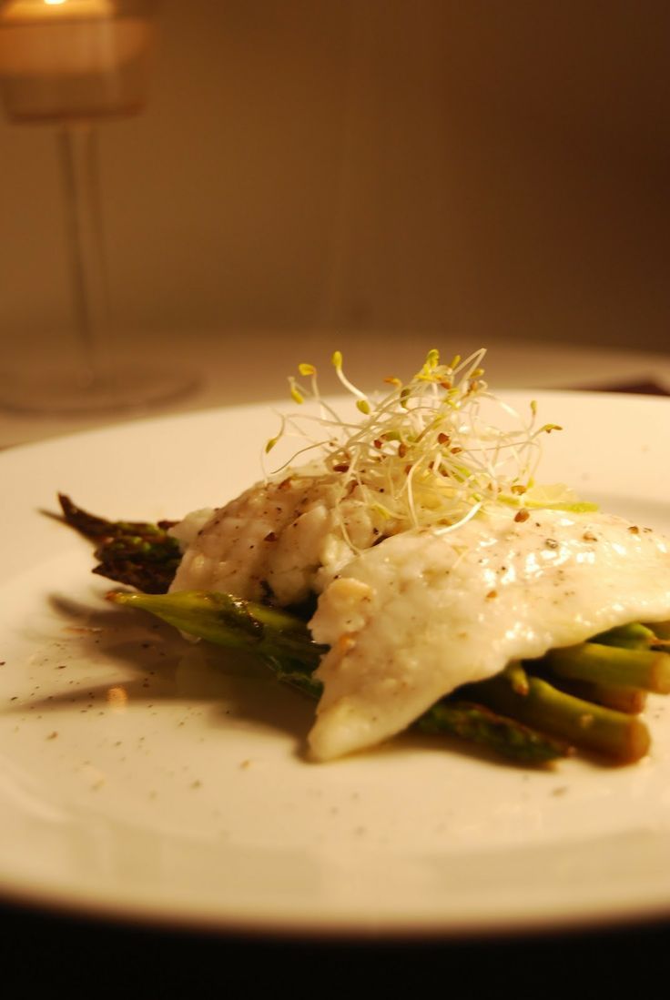 Plaice Filet with Asparagus. Find the recipe here: http://awaytoawomansheart.blogspot.no/2012/09/fish-dinner-in-autumn.html
