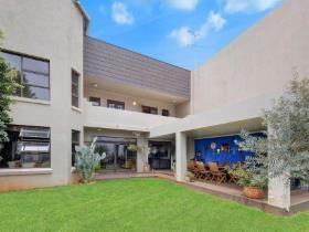 3 Bedroom House for sale in Houghton Estate - Johannesburg
