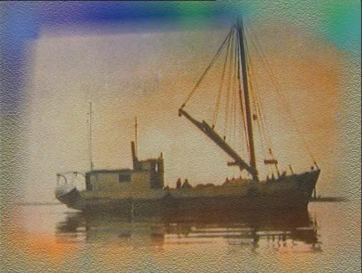 L'AFFAIRE CAPO NOLI - Le 10juin1940, un bateau italien, Le Capo Noli, va s'échouer en face du village du Bic. Le Canada vient tout juste de déclarer la guerre à l'Italie. Gilles Dubé nous raconte comment son père, capitaine, fut le premier à arriver sur les lieux et comment, à cause du conflit mondial, les marins italiens furent traités.