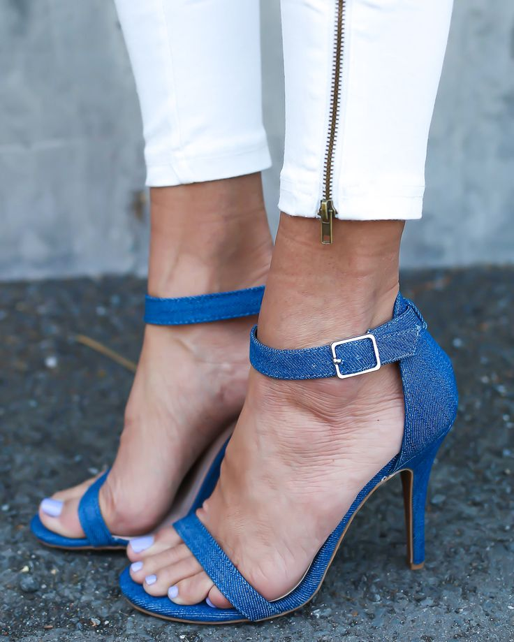 Channel your inner Carrie Bradshaw with our fabulous new Burch Heel! A denim…