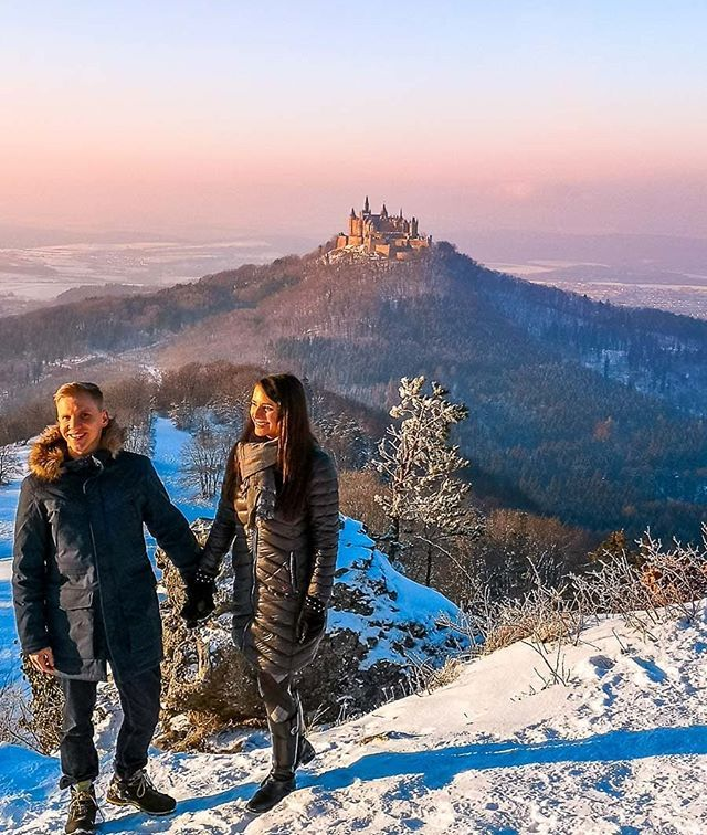 Der Blick Auf Die Burg Hohenzollern War Wirklich Traumhaft Auf Auf Instagram Verraten Wir Dir Wie Du Am Besten Dort Hinkom Natural Landmarks Landmarks Travel
