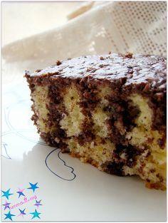 Soslu kek veya kürdan kek Yumuşacık güzel bir kek..Denendi ve tavsiye edilir..:)) MALZEMELER: 3 tane yumurta 1 cay bardagi siviyag 1 cay bardagi süt 2 paket kabartma tozu 1 paket vanilya 1 su bardagindan bir parmak esksik toz seker Aldigi kadar un Yaklasik 2,5 -3 su bardagi yinede ara ara cirparak ekleyin kek fazla kati …