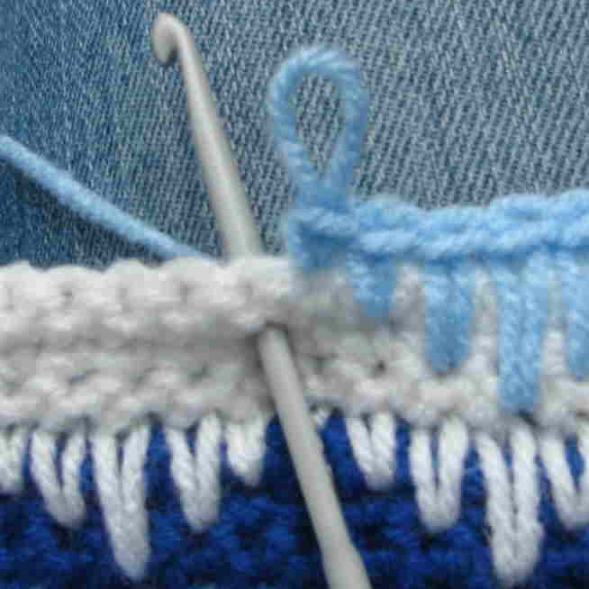 Crochet Sampler Pattern - Zigzag Pattern with Long Single Crochet ~ Makes a splendid edging and so simple once you get the pattern going.