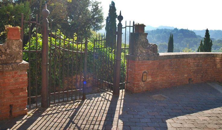 little----things.blogspot.com dawn in Tuscany Norcenni Girasole Club Figline Valdarno