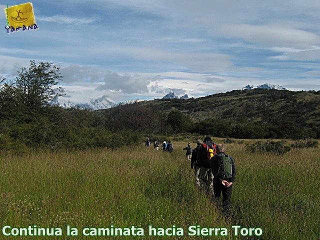Caminata hacia Sierra Toro en Torres del Paine CHILE
