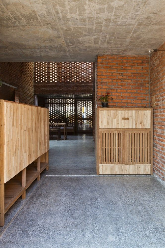 Termitary House | Tropical Space #entrance