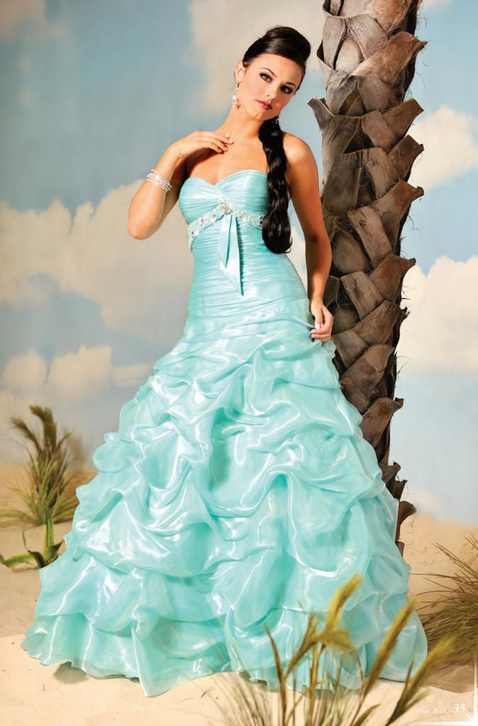 78 Best images about Quinceanera Dresses on Pinterest - 15 dresses ...