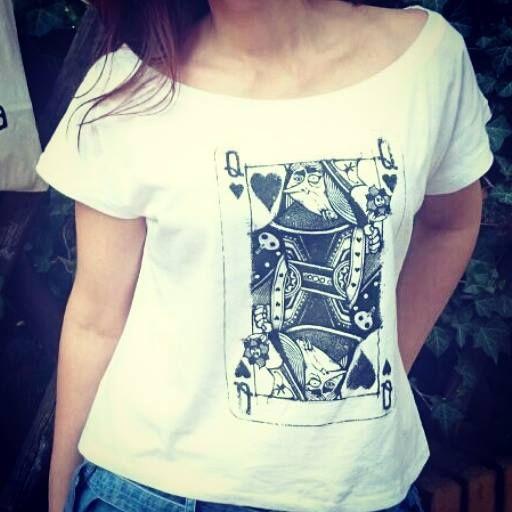 oversized woman Tshirt http://www.subulastore.com/shop/women/queen-of-hearts-women-organic-oversized-t-shirt-white-detail.html