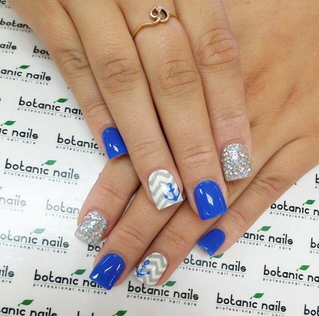 Blue anchor nails! Cute for summer!