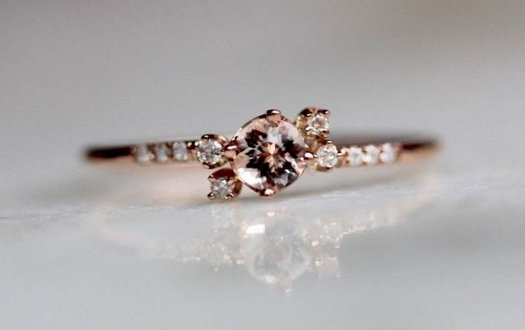 Cool 35 Simple Engangement Ring For Girls Who Love https://stiliuse.com/35-simple-engangement-ring-girls-love