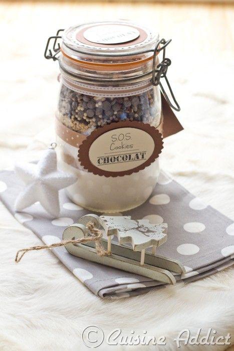 � Clic to scroll to english version Les S.O.S. Cookies, c'est THE recette de cadeau gourmand, elle circule depuis plusieurs ann�es sur les blogs et franchement je trouve que c'est une super id�e!!un must-have de No�l en quelque sorte ^^ Alors forc�ment,...