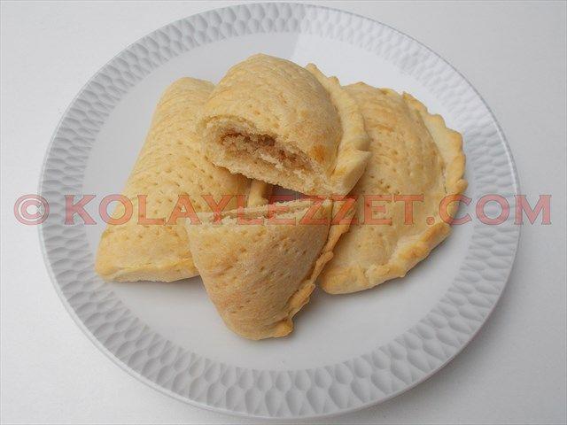 ŞEKERBURA KURABİYESİ (Bakü, Azerbaycan) Şekerbura nasıl yapılır? Azerbaycan milli mutfağının nakışlı işlemeli şık kurabiyesi, bayram ve düğün gibi özel günlerin süslü ikramı göz alıcı cazibesi muhteşem nefis lezzeti ile yapılmaya değer…