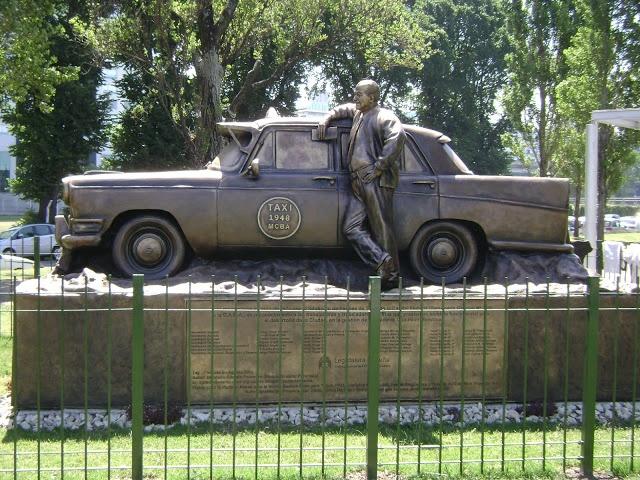 Monumento al Taxista (taxi) , buenos aires, argentina