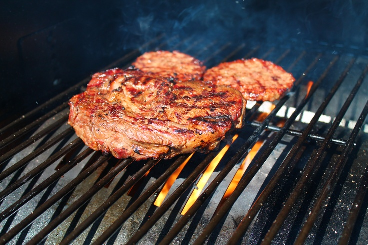 how to cook frozen steak on gas grill