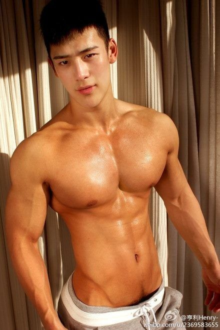 Broad Chest makes men look healthy & fit