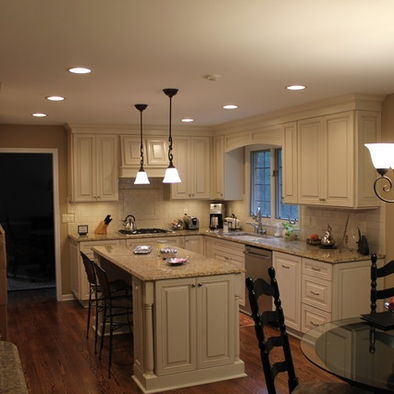 Best 25 venetian gold granite ideas on pinterest off white kitchens off white cabinets and Kitchen cabinets 75 off