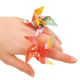 Miniature and wearable!: Crafts Ideas, For Kids, Summer Parties, Minis Pinwheels, Paper Pinwheels, Parties Favors, Pinwheels Charms, Fun Crafts, Pinwheels Rings