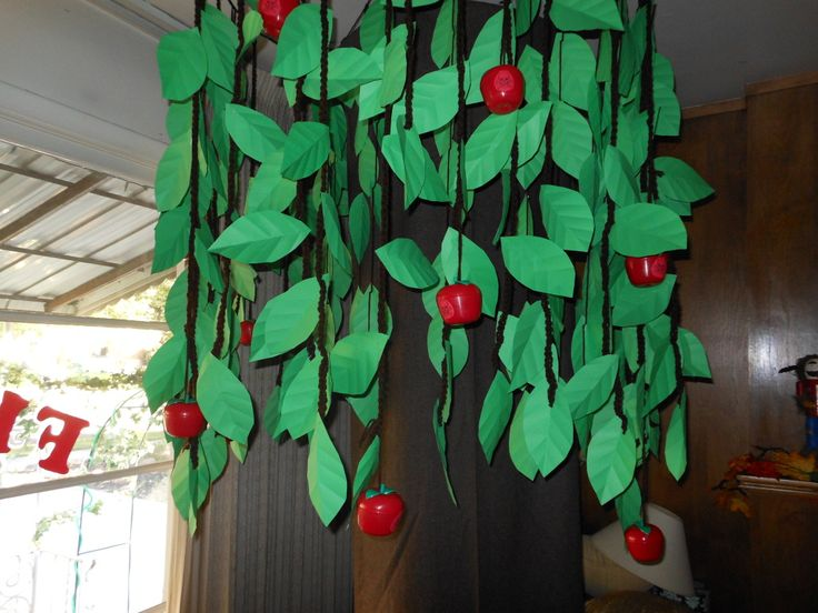 DIY Poisoned Apple Tree.... could also be attached to a doorway so they have to pass under the apple tree with a kraft paper trunk on one side of the door frame.