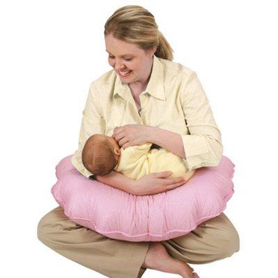 Cojín de lactancia multifuncional | Se ajusta a las necesidades de los bebés  Este sistema es perfecto para los #niños en crecimiento, para sentarse y apoyarse boca abajo Se ajusta para satisfacer las necesidades de los recién nacidos y lactantes en crecimiento. Mejora la digestión y ayuda a reducir el reflujo   El #cojIn de #lactancia #multifuncional incluye sostenedor para el #bebe en posición antireflujo  Encuéntralo en WOM | www.wombox.co