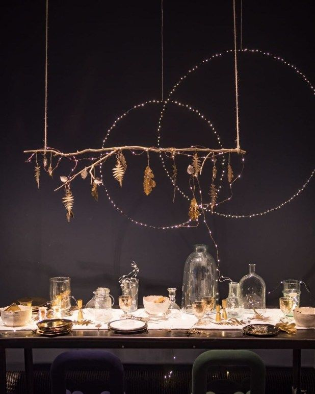 A Touch Of Golden Always Gives A Room A Luxurious Feeling Discover The Perfect Golden Light Winter Table Decorations Xmas Table Decorations Christmas Table