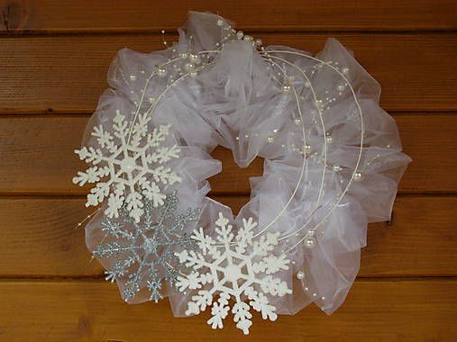 Winter wreath - so lovely!:)