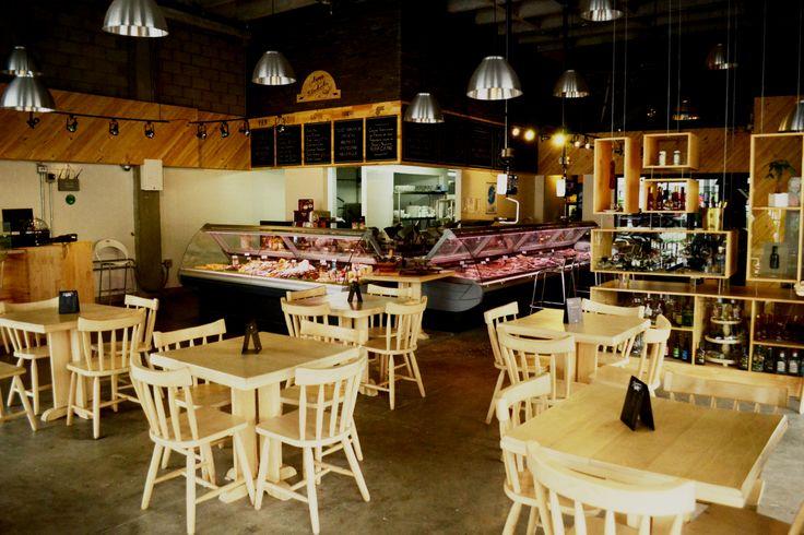 Hoy es #jueves, en nuestro #restaurante #Catalán puedes #tardear con tus amigos, y vivir de un ambiente cálido y excelentes productos, ¡Te esperamos!