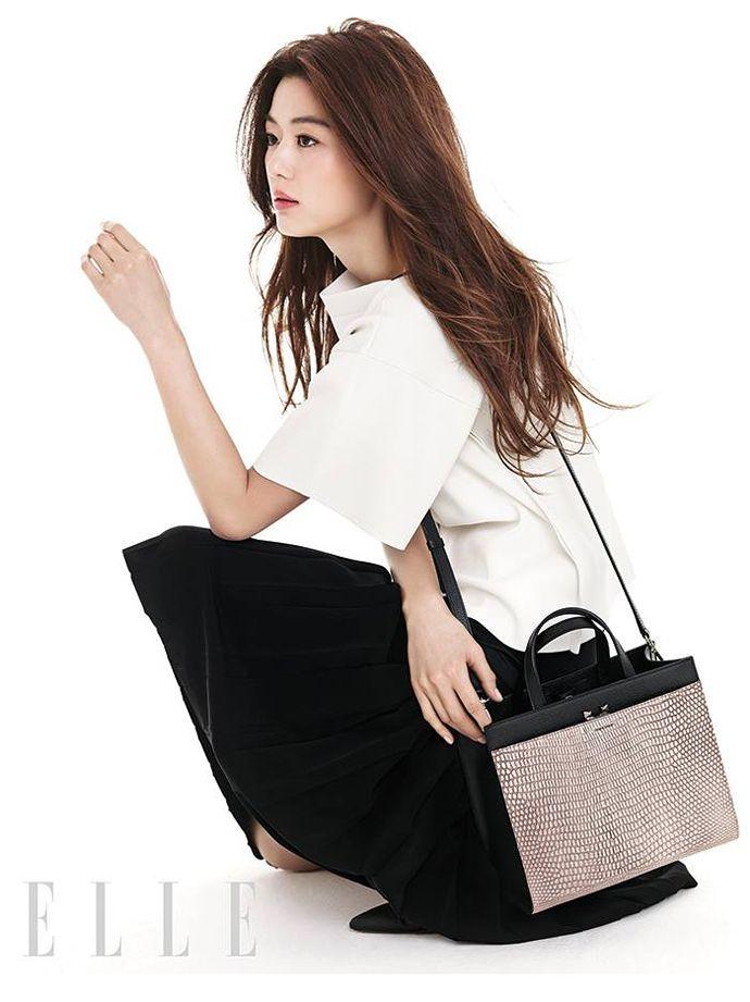 Gianna Jun. K drama star modeling for ELLE. Korean Magazine Lovers