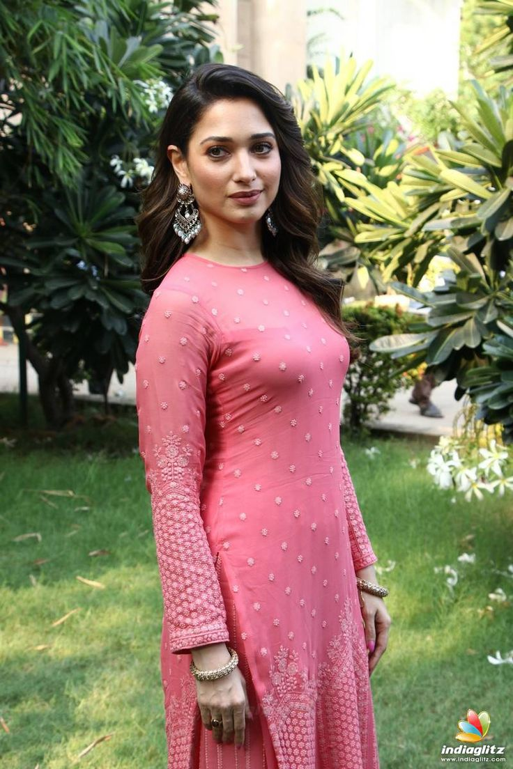 Sizzling Hot Photos of South Indian Actress | Welcomenri.com