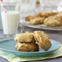 Macadamia and White Chocolate Cookies