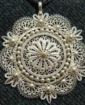 embroidered filigree necklace (namely telkari in Turkish traditional jewelry art)