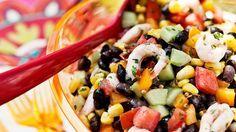 Salade aux crevettes et aux haricots noirs.
