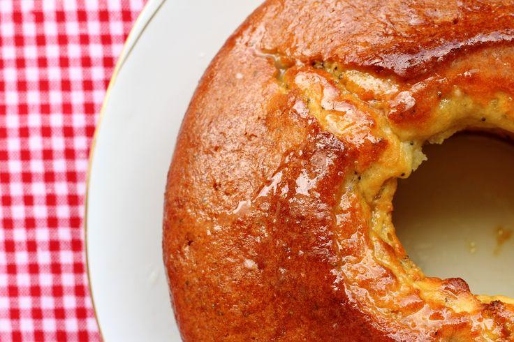 Κέικ λεμονιού με γιαούρτι και παπαρουνόσπορο