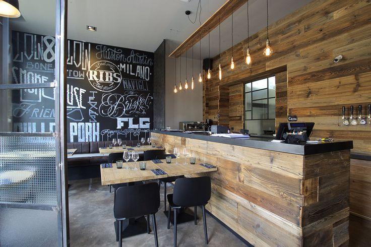 """https://flic.kr/s/aHskrQD1yX   The Brisket - SmokeHouse   Un nuovo ristorante ha aperto a Milano, zona Navigli: il """"Brisket SmokeHouse"""". Linee pulite e moderne ma al contempo un locale caldo ed accogliente grazie alla presenza di elementi in legno vecchio di recupero e oggetti di design che ne conferiscono carattere ed uno stile vissuto. L'idea del designer Fabio Gianoli ha preso forma grazie a noi di BMItalia che abbiamo realizzato gli arredi su misura per l'intero locale, dal ban..."""