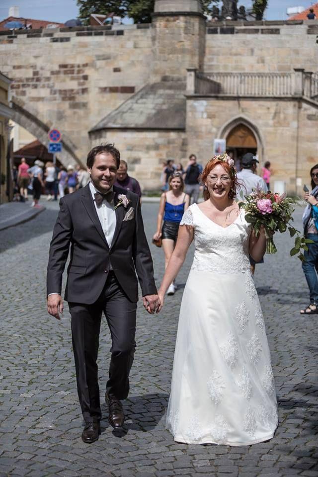 Lusinda svatební šaty  custom made wedding dress, lace