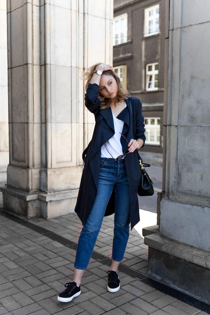 THE WHITE T-SHIRT (FashionMugging)